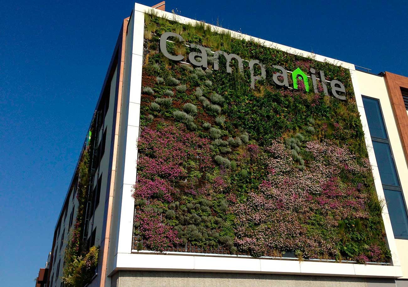 green-wall-hotel-campanile