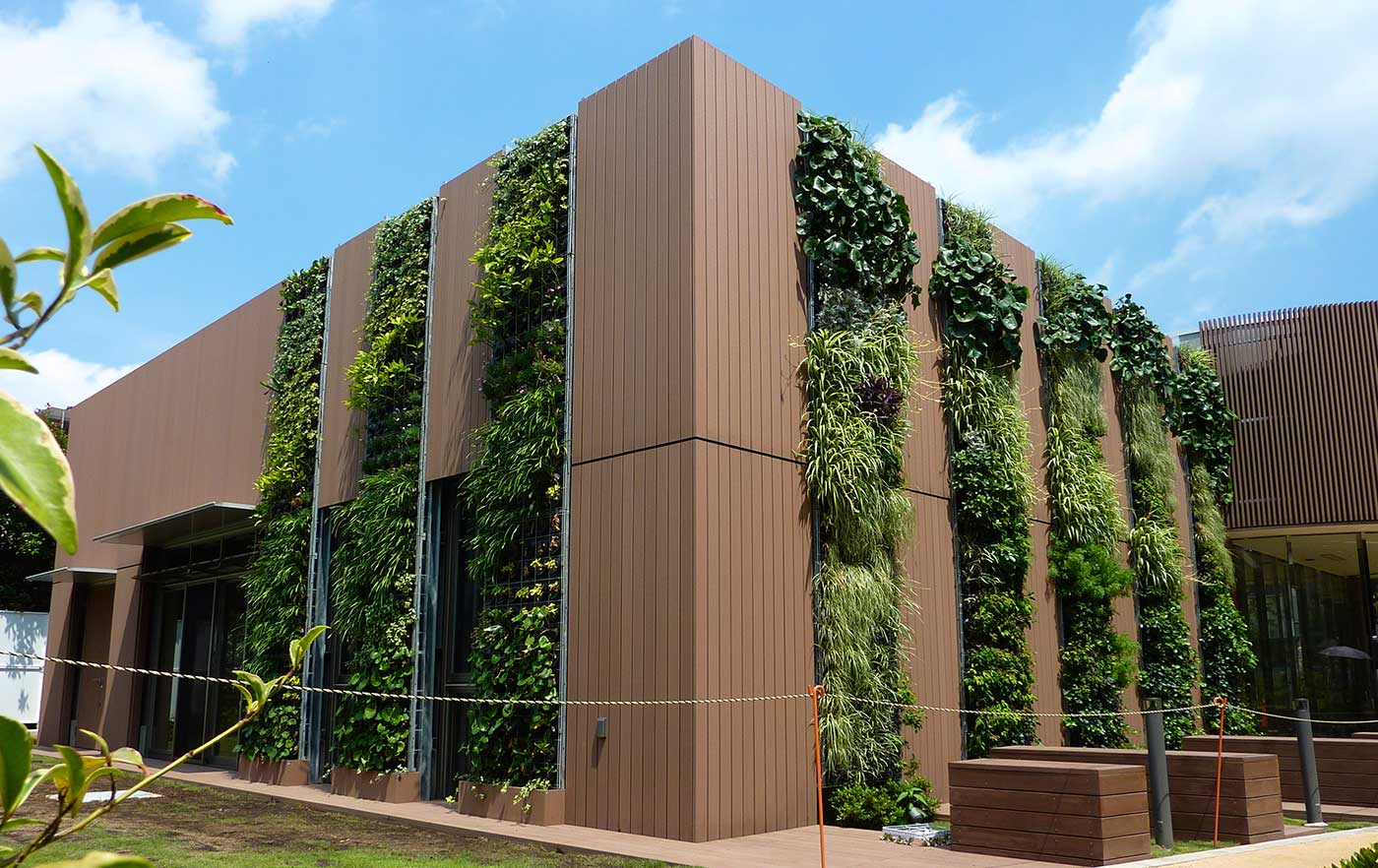 Jardines verticales canevaflor jardines verticales for Muros y fachadas verdes jardines verticales